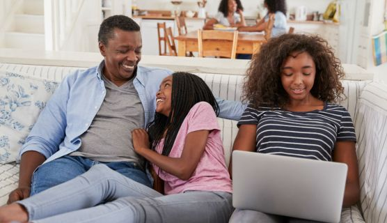 5 Father-Daughter Activities That Emphasize Communication
